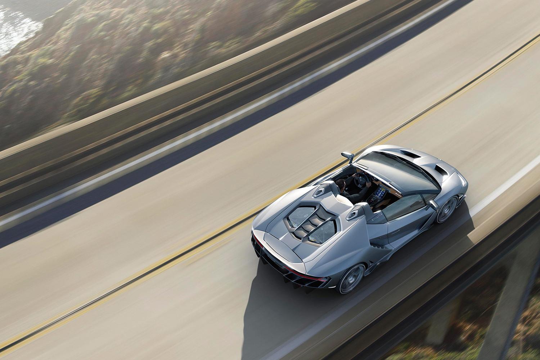 Lamborghini predstavilo Centenario Roadster za 2,3 milióna dolárov 03