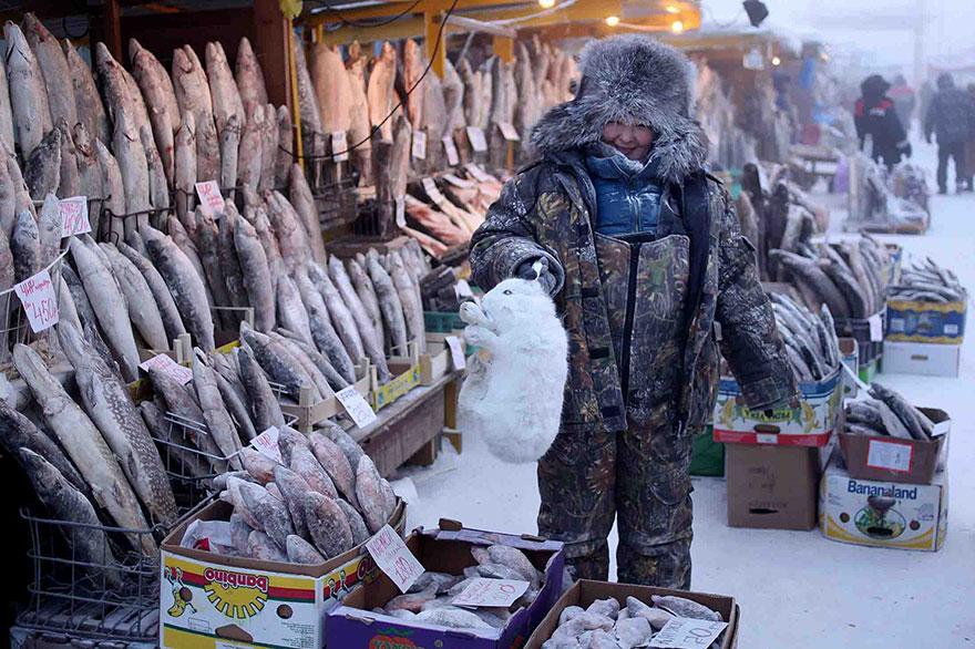 coldest-village-oymyakon-russia-amos-chaple-02