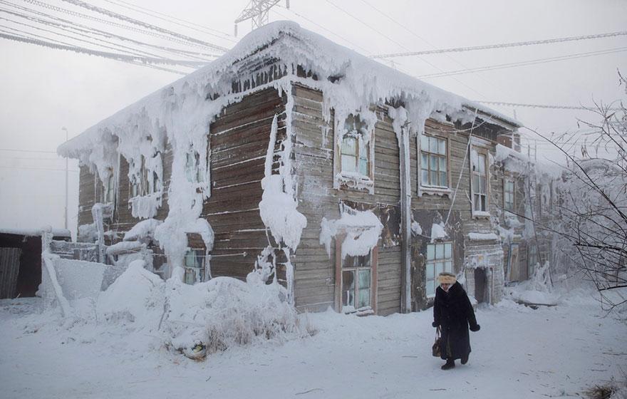 coldest-village-oymyakon-russia-amos-chaple-08