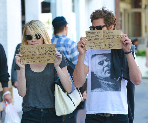 funny-celebrity-reactions-to-paparazzi-05