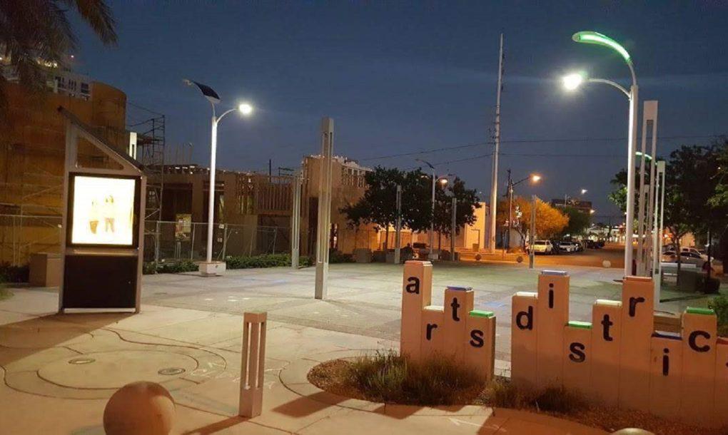 las-vegas-solar-streetlights-03