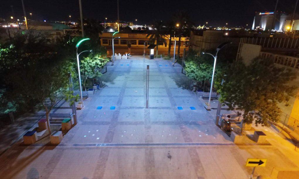 las-vegas-solar-streetlights-06