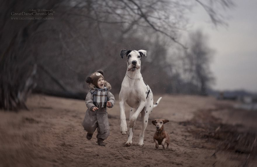little-kids-big-dogs-friendship-photography-andy-seliverstoff-10