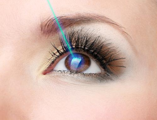 ad960a335 Medzi najaktuálnejšie vychytávky estetickej chirurgie patrí laserová  operácia, ktorá vám doživotne zmení farbu očí.