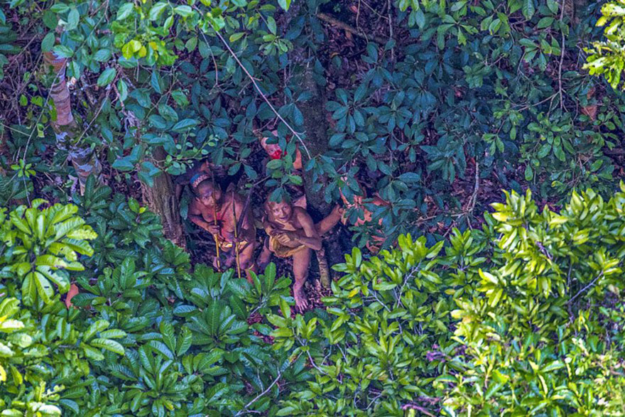 uncontacted-tribe-amazon-photography-ricardo-stuckert-sex-porn-01